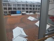 雨の佐久大学